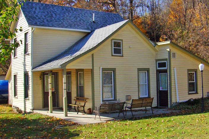 Champagne House Hammondsport Lodging